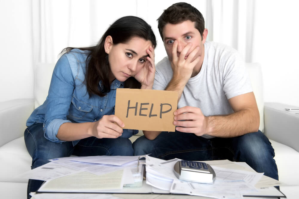 How to Help a Family Member with Money Problems