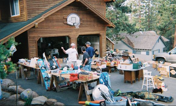 Sell your stuff in Garage Sale